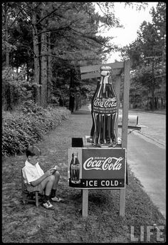 vintage everyday: Little boy selling Coca-Cola, Atlanta, ca. 1936
