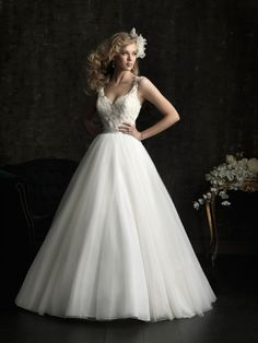 gorgeous 2013 wedding dress by Allure bridal gowns 8968