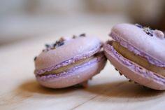 Une-deux senses: Lavender & Vanilla Bean French Macarons [[recipe!!!]]