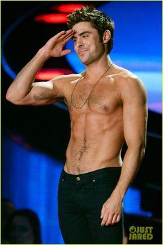 Here Are More Zac Efron Shirtless Photos, Because Why Not!   more zac efron shirtless photos mtv movie awards 2014 04 - Photo