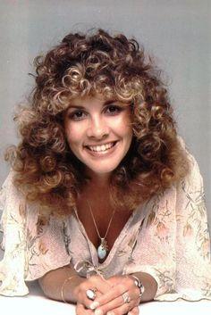 Stevie Nicks ne Stephanie Lynn Nicks, Phoenix AZ, (1948-     )