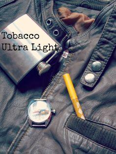 Абсолютното въплъщение на цигарата.Тютюн с класическа мекота и сладост като този,който се използва за палене на лула.Сладост,която лепне по гърлото,като рахат локум...'сладко гърло'... Smoke, Personalized Items, Green, Chicago, Smoking, Acting