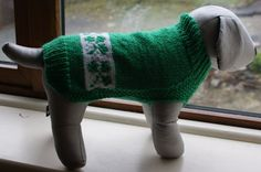Hand Knitted St Patricks Day Dog Jumper Dog by IrishSmallKnits. Want it for St. Patricks Day order early we get very busy Psi, Dog Jumpers, St Pats, Dog Sweaters, Weiner Dogs, St Patricks Day, Knits, Hand Knitting, Irish