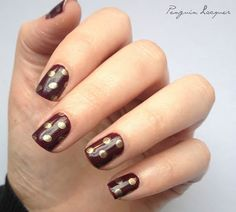 Essie - In the lobby with polka dot stamping