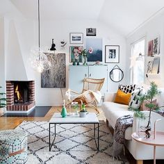 What to do in the space next to the fireplace (arrangement)