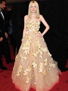 Prom inspiration: Dakota Fanning in Valentino