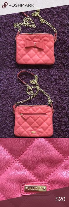 Aldo coral crossbody bag. Used only once. Great condition. No damages. Straps length: 23in  Width of bag: 10in Length of bag: 8in   Price is firm. I do NOT trade, sorry!! ❌🚫 Aldo Bags Crossbody Bags