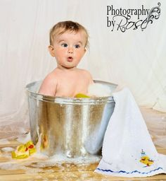 Bath in a bucket! How knew? #baby