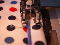 Machine stitching a binding with a flange -- neat technique with clean, impressive results