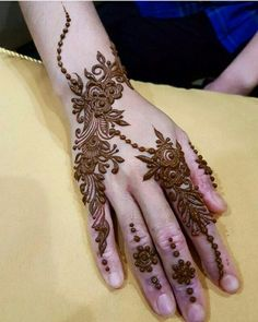 Rajasthani Flower Mehndi Designs For Hands Step By Step. rajhastani mehndi designs are very fa. Henna Tattoo Designs Simple, Rose Mehndi Designs, Latest Bridal Mehndi Designs, Finger Henna Designs, Henna Art Designs, Mehndi Designs For Girls, Mehndi Designs For Beginners, Modern Mehndi Designs, Mehndi Design Pictures