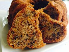 This easy pumpkin bread is a fall favorite Pumpkin Cinnamon Swirl Bread Recipe. This easy pumpkin bread is a fall favorite! Make a loaf today! Source by pinksequences Pumpkin Chocolate Chip Bread, Pumpkin Bread, Pumpkin Puree, Pumpkin Recipes, Fall Recipes, Just Desserts, Dessert Recipes, Cinnamon Swirl Bread, Ground Cinnamon