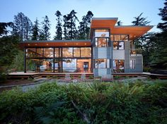 The latest house by Nils Finne is perched on the shore of the Hood Canal, a long, fjord-like arm of Puget Sound in Washington State.