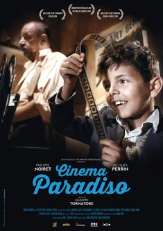 Alfredo vient de mourir. Pour Salvatore, cinéaste en vogue, c'est tout un pan de son passé qui s'écroule. On l'appelait Toto a l'époque. Il partageait son temps libre entre l'office où il était enfant de chœur et la salle de cinéma paroissiale, en pa...