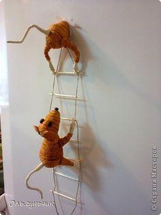Поделка изделие Моделирование конструирование Мышки-повторюшки Шпагат фото 1