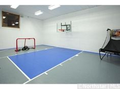 sport court/playroom