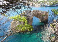 Puente, monumento natural en Santanyí, Mallorca, Islas Baleares.