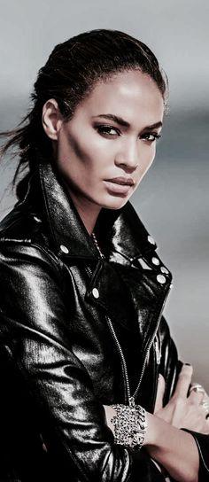 Black Figure, Pin Logo, Rock Chic, Black White Red, Leather Fashion, Black Leather, Hair Beauty, Beautiful Women, Leather Jacket