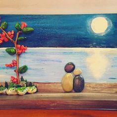 2 küçük taştan dünyalar yaratmak.. #handmade #resim #zuzubyzuzu #sanat #art #bodrum #view  #ahşapboyama #ahsap #elsanati #tablo #resim #ozelsiparis #painting #rengarenk #tasboyama #manzara #boyama