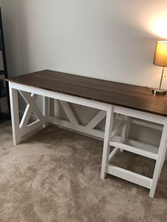 DIY Farmhouse Desk plans that will make your home office pop! Need an office farmhouse desk to spice up the home office? These DIY Desk Plans will make your office come to life. Rustic Computer Desk, Rustic Desk, Wood Desk, Retro Furniture, Wood Furniture, Furniture Design, Furniture Stores, Furniture Outlet, Cheap Furniture