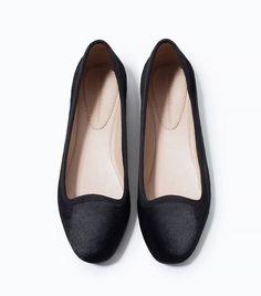 Zara Leather Slip-on Shoes // ballet flats in black