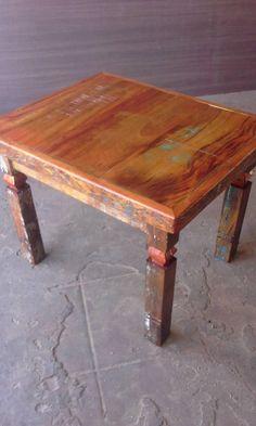 mesa lateral de madeira de demolição