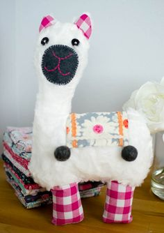 Show Off Saturday... my Little Llama Softie from Jennifer Jangles' pattern! — SewCanShe | Free Daily Sewing Tutorials