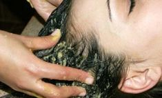 Make home made herbal shampoos, conditioners, masks given in these home remedies for thicker hair. Use herbs, essential oils and common kitchen ingredients to make your hair thicker with these home remedies for thicker hair. How To Prevent Dandruff, Dandruff Control, Getting Rid Of Dandruff, Home Remedies For Dandruff, Natural Remedies, Hair Threading, Covering Gray Hair, Natural Shampoo, Shiny Hair