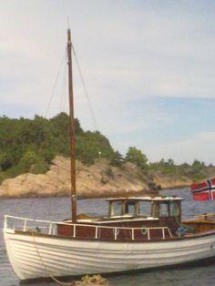 Tanja! A beautiful Norwegian Dorry.