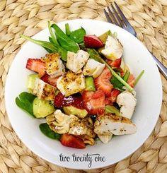 Recetas de ensaladas para los que odian comer ensaladas: strawberry chicken salad.