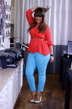 Styles for plus size women : but this look would work on any busty shape to camouflage the tummy and emphasize curves.