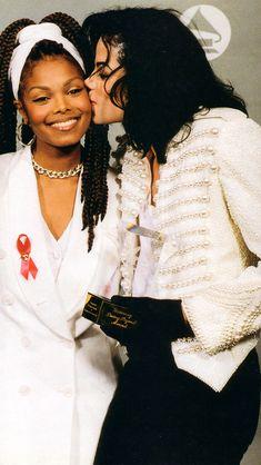 Janet Jackson Young, Michael Jackson Smile, Jackson 5, Michael Jackson Invincible, Michael Jackson Wallpaper, Michael Jordan Basketball, King Of Music, The Jacksons, Celebs