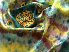 Hodvábne šibori a ornamenty šablónovou technikou na šatke