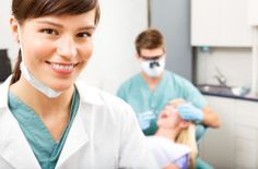 What is a Dental Hygienist degree? How do I become a Dental Hygienist? Learn about earning a Dental Hygienist degree and find dental schools online. Dental Hygiene Student, Dental Procedures, Dental Assistant, Dental Hygienist, Dental Care, Dental Implants, Assistant Jobs, Dental Group, Cosmetic Procedures