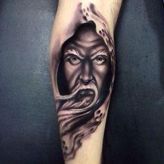 Samurai Tattoo - View the recent tattoo designs Baby Tattoos, Body Art Tattoos, Tattoo Drawings, Cool Tattoos, Tattoo Ink, Tatoos, Old Men With Tattoos, Tattoos For Guys, Tattoos For Women
