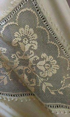Masa örtüsü Needle Lace, Needle And Thread, Crochet Butterfly, Crochet Tablecloth, Embroidery Patterns Free, Filet Crochet, Knots, Needlework, Cross Stitch