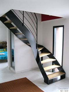 les 15 meilleures images du tableau escalier quart tournant sur pinterest spiral stair stairs. Black Bedroom Furniture Sets. Home Design Ideas