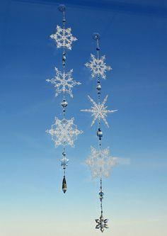 Ane Scherrer's Beaded Snowflake Ornaments... making something like this would be cute this winter