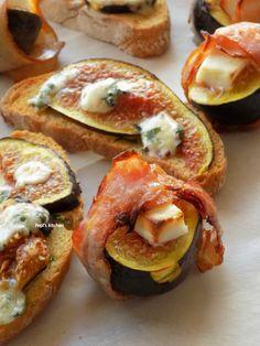 Bruschetta with Figs and Blue Cheese | Roasted Figs with Bacon and Manouri http://pepiskitcheninenglish.blogspot.gr/2016/09/bruschetta-with-figs-and-blue-cheese-roasted-figs-with-bacon-and-manouri.html