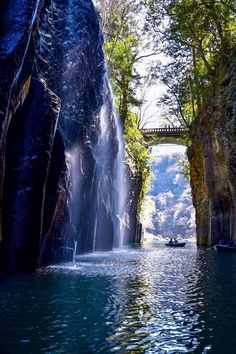 "Takachiho Gorge, Miyazaki, Japan 高千穂峡 repin & like. listen to Noelito Flow songs. Noel. <a href=""https://twitter.comnoelitoflow"" rel=""nofollow"" target=""_blank"">twitter.com...</a>"