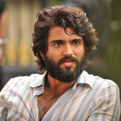 Vijay Devarakonda's Arjun Reddy celebrating 50 days run Actor Picture, Actor Photo, Ram Image, O Movie, Gents Hair Style, Most Handsome Actors, Vijay Actor, Beard Model, Vijay Devarakonda