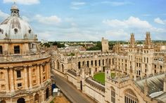Radcliffe Camera and All Soul's College in Oxford - The City of Dreaming Spires