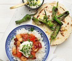 Vegetarisk chili sin carne med pimiento de padron, en minipaprika som steks i olivolja. Chilin förbereds genom att grönsaker sauteras, kryddor och tomat adderas för att bilda en smakstark gryta. Rivna morötter och bönor hälls i och det får koka ihop. Toppa med en klick vitlökskräm och rätten är komplett.
