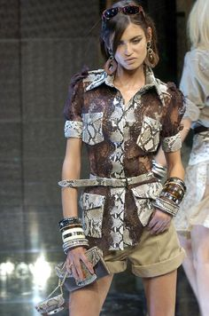 Dolce & Gabbana - Ready-to-Wear - Runway Collection - Women Spring / Summer 2005