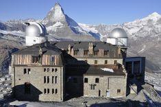 Hotel s observatoří na vrcholu Gornergrat (3 130 m n. m.).