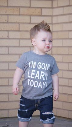 New Funny Kids Shirts Boys Children 60 Ideas Funny Kids Shirts, Funny Shirt Sayings, Shirts For Girls, Baby Boy Haircut Styles, Toddler Boy Haircuts, Baby Boy Fashion, Kids Fashion, Preschool Shirts, First Day Of School Outfit