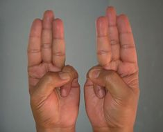 8 kéztartás, melyek gyógyító ereje észrevétlenül hozzák helyre a szervezet problémáit! - Filantropikum.com Health Tips, Health And Wellness, Health And Beauty, Health Fitness, Hand Mudras, Apple Cider Vinegar Benefits, Watery Eyes, Excessive Sweating, Diet