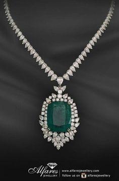 Al fares jewellery Platinum Jewelry, Expensive Jewelry, Necklace Designs, Diamond Pendant, Jewelery, Jewelry Box, Pendant Jewelry, Wedding Jewelry, Bling