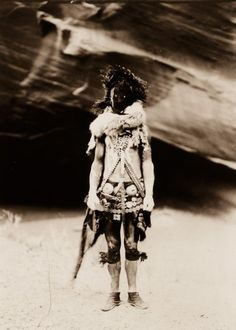 Beautiful portraits of the Navajo Native American by Edwards S. Curtis in 1904 - Outdoor Revival