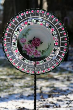 Glass Plate Garden art and Yard art with recycled❤❤❤