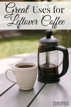 Don't throw that leftover coffee down the drain! There are so many uses for leftover coffee around your house from plant care to brownies! (what is this leftover coffee you speak of? Coffee Uses, I Love Coffee, My Coffee, Coffee Shop, Espresso Coffee, Coffee Creamer, Coffee Recipes, Food Hacks, Food Tips
